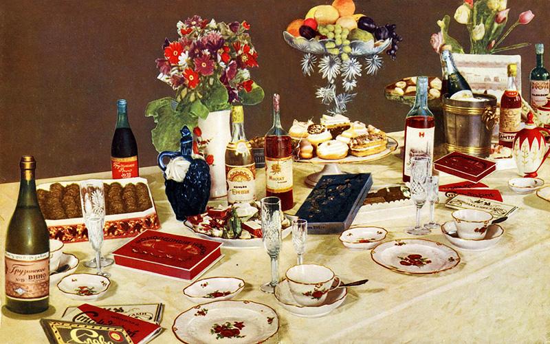 могут быть фото новогоднего стола в советском союзе это бесстрашное